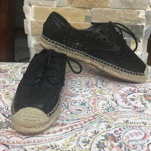 NEW-Vince Camuto Dinah lace- up espadrilles